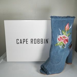 Cape Robbin Booties Denim Frayed Peep-Toe 7.5